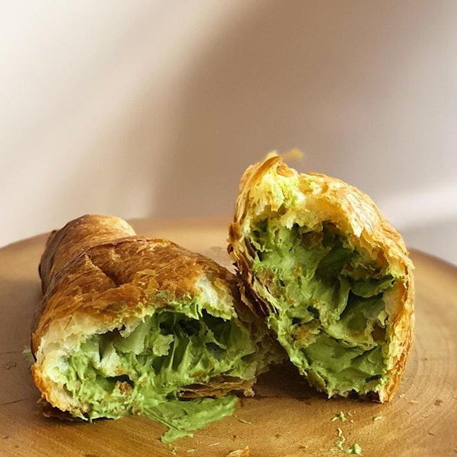 [Matcha Croissant-$5]  Not exactly the most aesthetic shot, but this was one delicious green mess of a croissant 😌😋 Glad that I managed to snag this croissant which is available for a limited time only (today's the last day!!) after missing my chance last weekend because I was overseas 😅  The croissant was so surprisingly good??