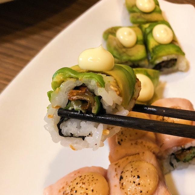 Unagi & avo sushi