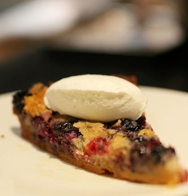 Delicious Berry Tart at @burntends_sg .