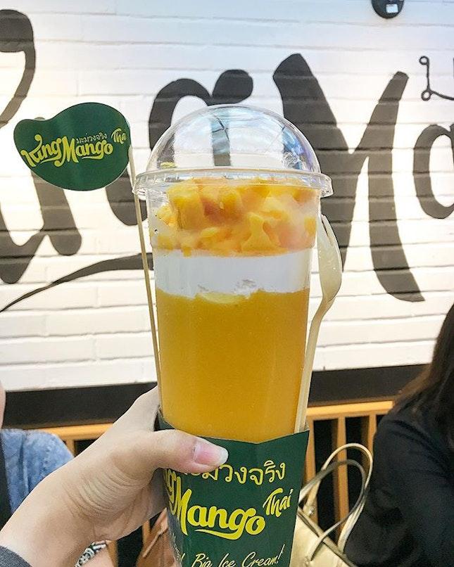 [#tastytestedjakarta] Try the most hype mango drink at Jakarta lately.