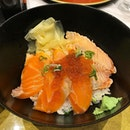 Yesterday is the lastday Buy1Get1 promo for this Sashimi Don.