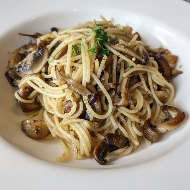 Mushroom Aglio Olio - $10++