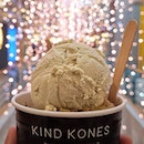 [Where To Eat Orchard] Dessert Times @kindkones_sg is one of the best Vegan Ice Cream shop that I have came across at the heartland of Orchard, located in @forumtheshoppingmall that fill with Families everyday!