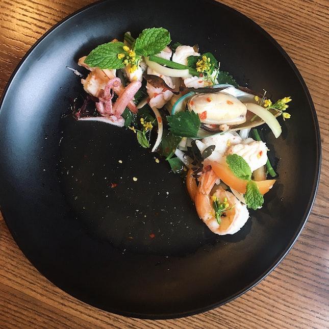 Yum Rueam Mid Talay (Mixed Seafood Salad, RM25)