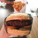 Laarb Moo Tod Burger (RM19.60)