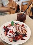 Berry-Licious Pancake ($16.90)