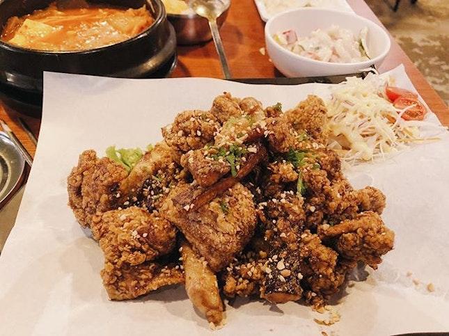 📍Wonderful Bapsang @ Suntec City @wonderfulbapsang ⠀⠀⠀⠀⠀⠀⠀⠀ 🚇 Promenade MRT ⠀⠀⠀⠀⠀⠀⠀⠀⠀ ✏️ One of the nicest korean crispy chickens I've ever had!!