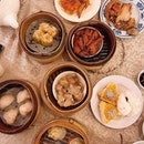[Chinatown] Still serving up classic dim sum from old-school push carts, the sense of nostalgia while dining here is incredible— the dim sum however, is decent at best.