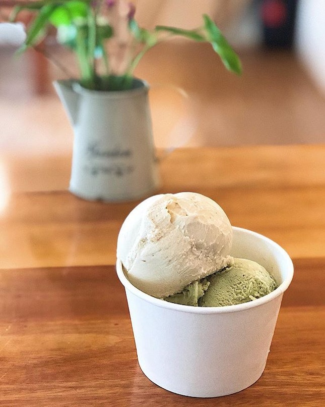 [Bukit Merah] The ice-creams here are a tad sweet, but they have some lovely flavours.