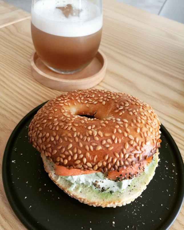 Cha-bagel With Smoked Salmon & Nitro Kombucha