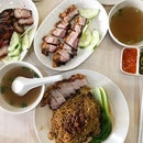 The attempt of fitting everything into one frame- A highly recommended siu yok(roast pork) and Char Siew( honey glazed pork)eatery.