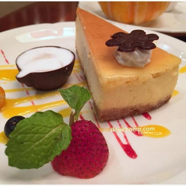 Cheese Cake accompanied with Truffle Pudding乳酪蛋糕伴鲜松露布丁, $10++