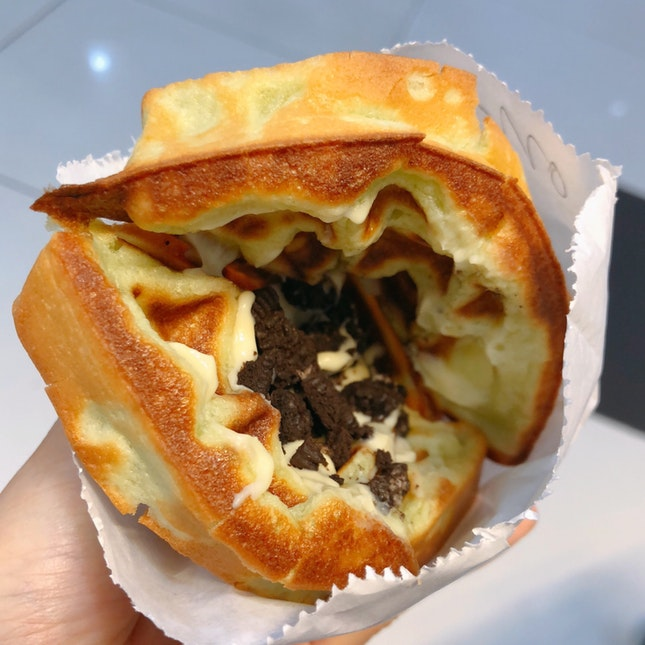 Oreo Cream Cheese Waffles