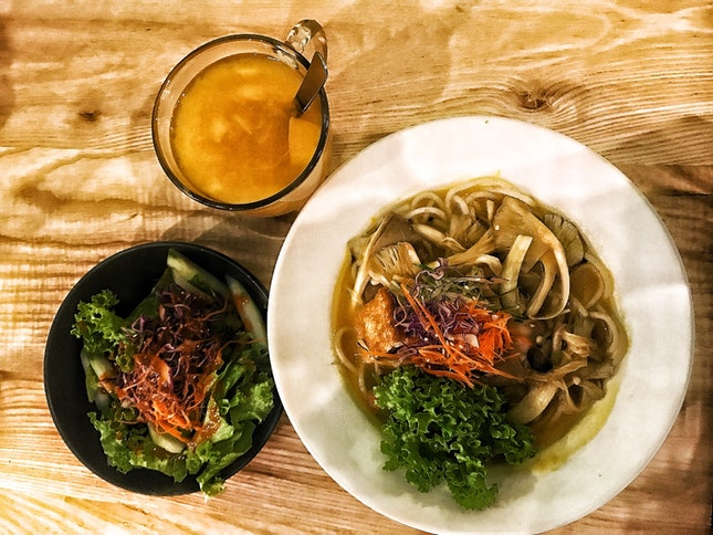 Hokkaido Miso Ramen + Garden Salad + Pumpkin Barley Drink