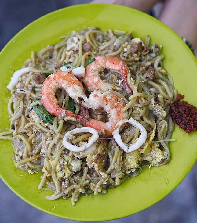 Swee Guan Hokkien Mee is the perfect place If you like ur Hokkien mee with strong wok Hei, it's Legit coz the Hokkien mee cooked with charcoal.