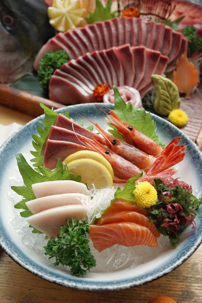 Miyazaki prefecture not only famous for the beef, but also known for budou (grape) pork and ample seafood like hotate and amberjack.