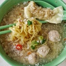 first stop from our hawker food trail and it's a Soon Heng Pork Noodles