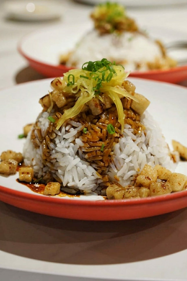 Feature a few dishes that i enjoy from Crystal Jade Hong Kong Kitchen, @crystaljadesg, the first outlet of the casual dining brand with new look and refreshed menu,  re-opened at @greatworldsingapore.