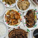 I very seldom eat teochew porridge, so i have no idea where to go for good teochew porridge.