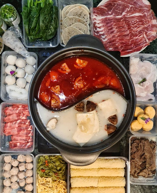 Recently almost everyday raining. steamboat is the perfect meals to have during cold day. My Dinner steamboat from Hai Di Lao, at Plaza Singapura. I ordered from Capita3Eats, a platform that customer can order from various tenants from Plaza Singapura.