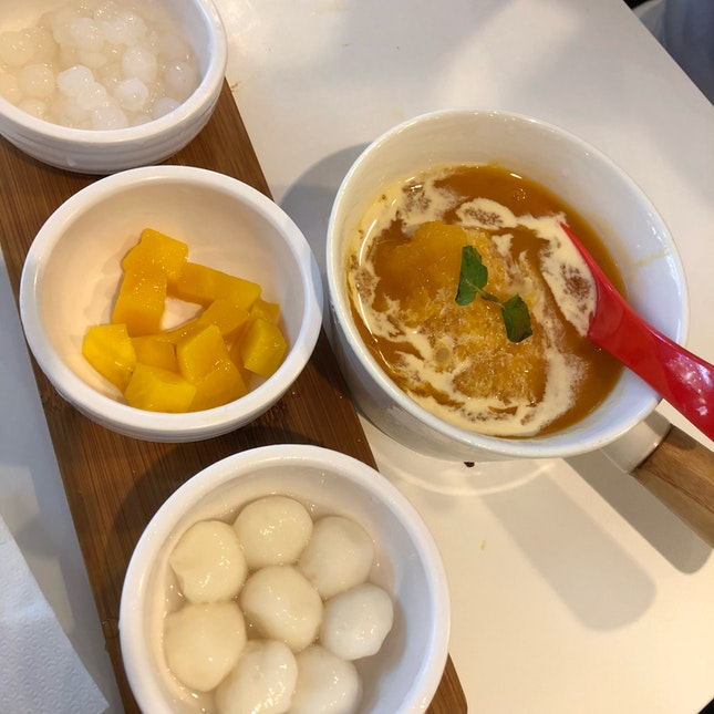Mango Milk Ice with Rice Balls ($6.50++)