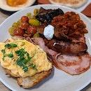 [Telok Ayer] Do not let this glorious plate of CMCR full breakfast slide.