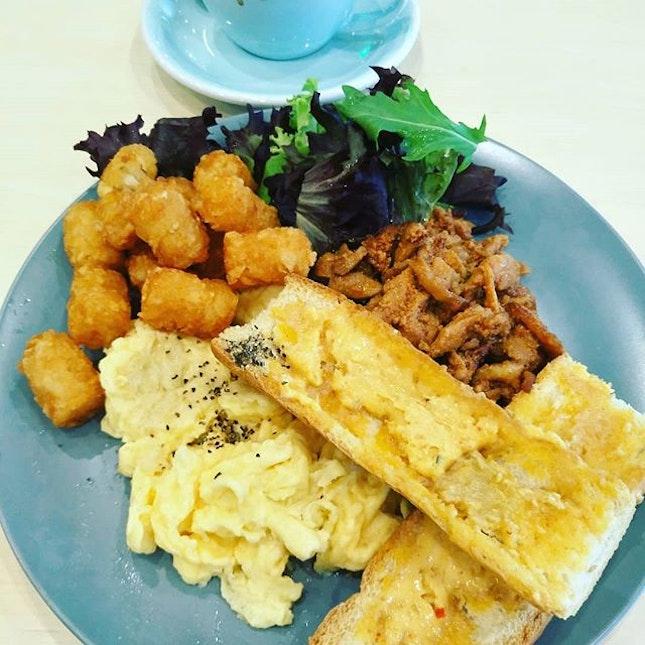 Having two hana breakfast,korea style breakfast ❤👍 @twohanasg  #littlesweetbonsbons #twohanasg #twohana #breakfast #breakfastsg #koreanfushionfood #kimchibutter #truffletarufuto #truffle #scrambledeggs #salads #chickenbulgogi #foodiesgram #foodiesofinstagram #instafoodsgram #centurysquaresg #centurysquare #tampinesfoods #highlyrecommended #burpple #burpplesg