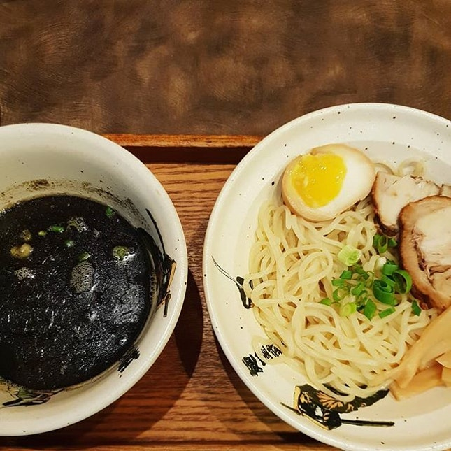 Tsukemen Set with 1 Tsukemen, 1 side dish and 1 houji tea ($10.90++) 😐 #lunchdealsg  After I have tried #sanpoutei #tsukemen, this does not quite make the cut..