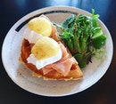 Eggs Benedict 😐 ($14.80++) + Full Waffle 😊($10.80++) with mashed avocado 😐 ($2.50++) + Breakfast Quesadillas ($13.80++) 🙁 + Duck & Lychee Pizza 😊 ($17.80++) + Masala Cauliflower 😊 + Coq Au Vin 😐 ($28.80++) Mac & cheese 😐 ($14.80++) Their waffle is good!
