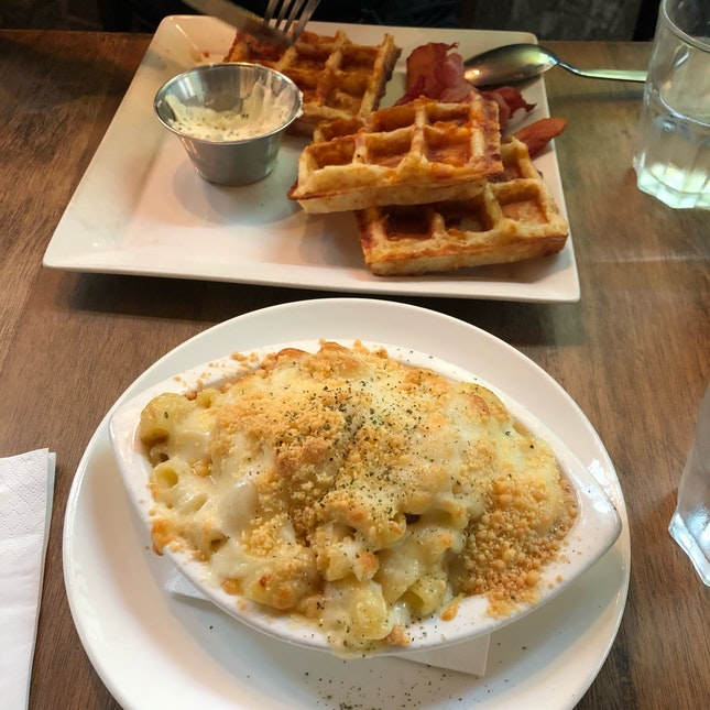 Truffle Mac And Cheese $19++