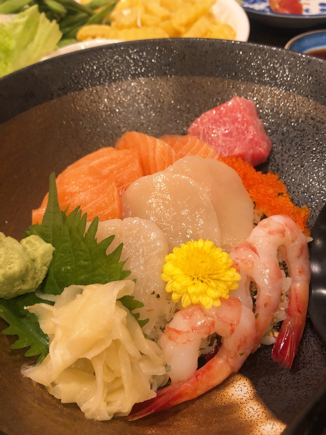 Scallop, Salmon & Amaebi Shrimp Don