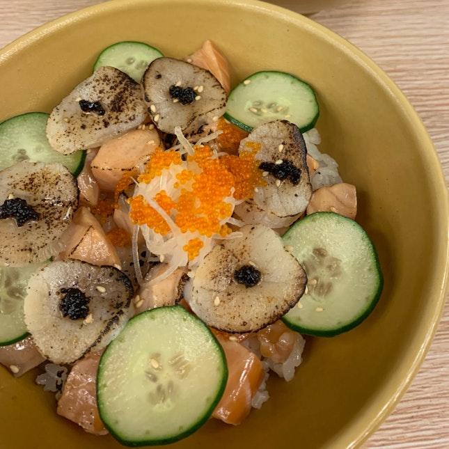 Aburi Scallop Salmon Bowl ($17)