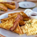 French Toast with Bacon and Scrambled Eggs