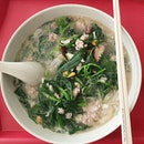 [6/8 Post Gym meal] 📍Yuhua market and hawker centre, Spinach soup😍 was comtemplating what to eat because there is a plethora of nice food at this hawker centre.