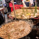 Giant steaming pans of paella 🥘 didn't try this but everyone else was!