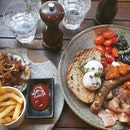 Common man full breakfast ($28) 🍳🥓🍞