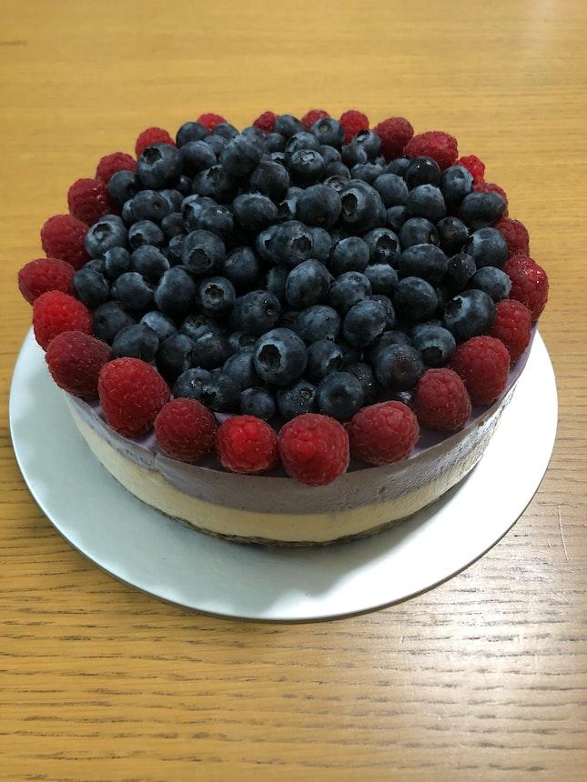 Raw Vegan Berry Cashew Cake