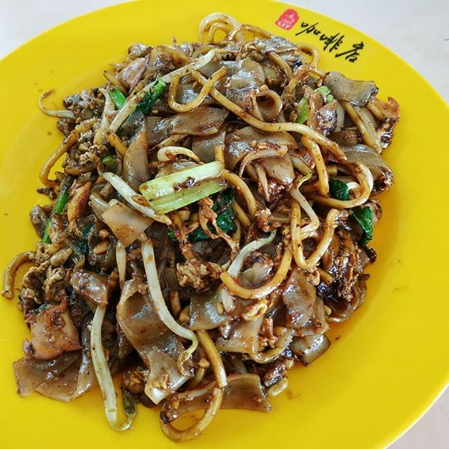 High calories count food: char kway teow.