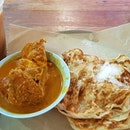 Prata stall at Thomson plaza level 1  We ordered with curry chicken.