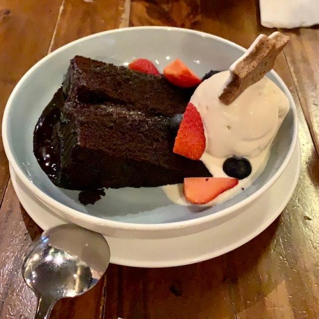 Chocolate Cake & Vanilla Ice-cream