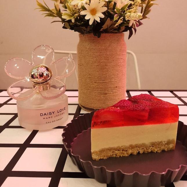 Strawberry Tofu Cheesecake