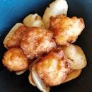 fried, handmade prawn balls 😋