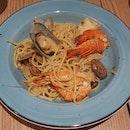 Seafood Aglio Olio Pasta
