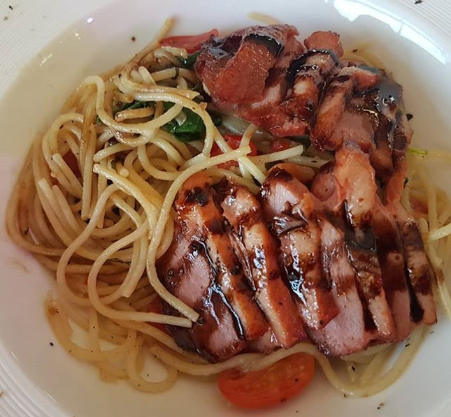 Smoked Duck Spaghetti  #smokedduck #spaghetti #sgfoodies #sgfoodie #foodiesg #foodblog #instafood #instafoodie #instafoodsg #igsg #sgig #igsgfood #sgigfoodies #foodiesofinstagram #sgeats #eatsg #hungrygowhere #foodphotography #singaporeeats #sgfoodlovers  #igfoodie #sgfoodblogger #dailyfoodfeed #burpple