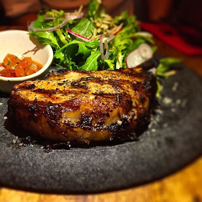 My fav from last night's picks, deraza iberico pork chops baked nicely to a tender and pink interior :) #deraza #iberico #porkchops #fyrsg #sgfood #sgrestaurant #foodsg #foodporn #burpple