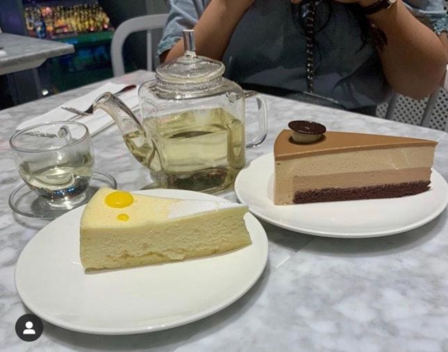 Cakes, drinks