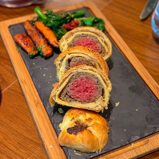 "Just tried the ""Impossible Wellington"" and I must say @impossible_foods really blew my mind in creating their ""meats""!"