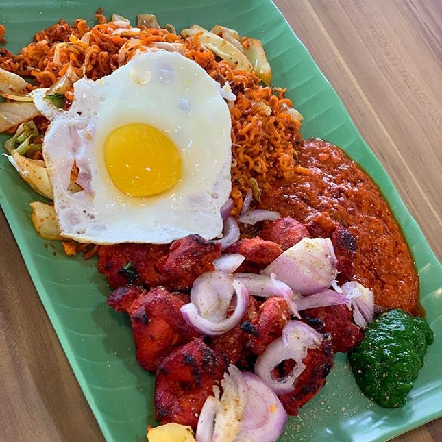 Maggi Goreng with a side of chicken tikka!