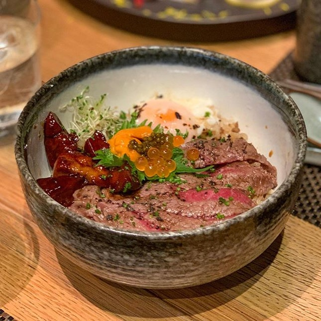 Say hello to the most awesome wagyu beef bowl in Singapore!!
