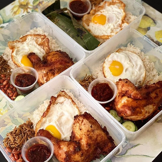 Keeping my mental health in check with these glorious Nasi Lemaks from The Coconuy Club (island-wide delivery) Super tender chicken, fragrant rice, perfect fried eggs, and tangy chilli...